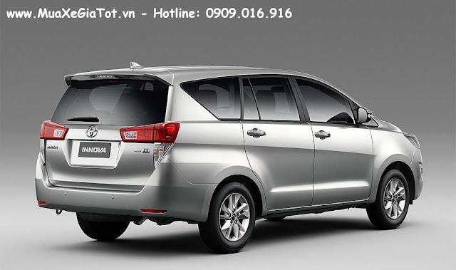 Innova 2.0V được trang bị nhiều tính năng cao cấp sánh ngang với các dòng xe cùng phân khúc như Mazda CX5 và Honda CRV