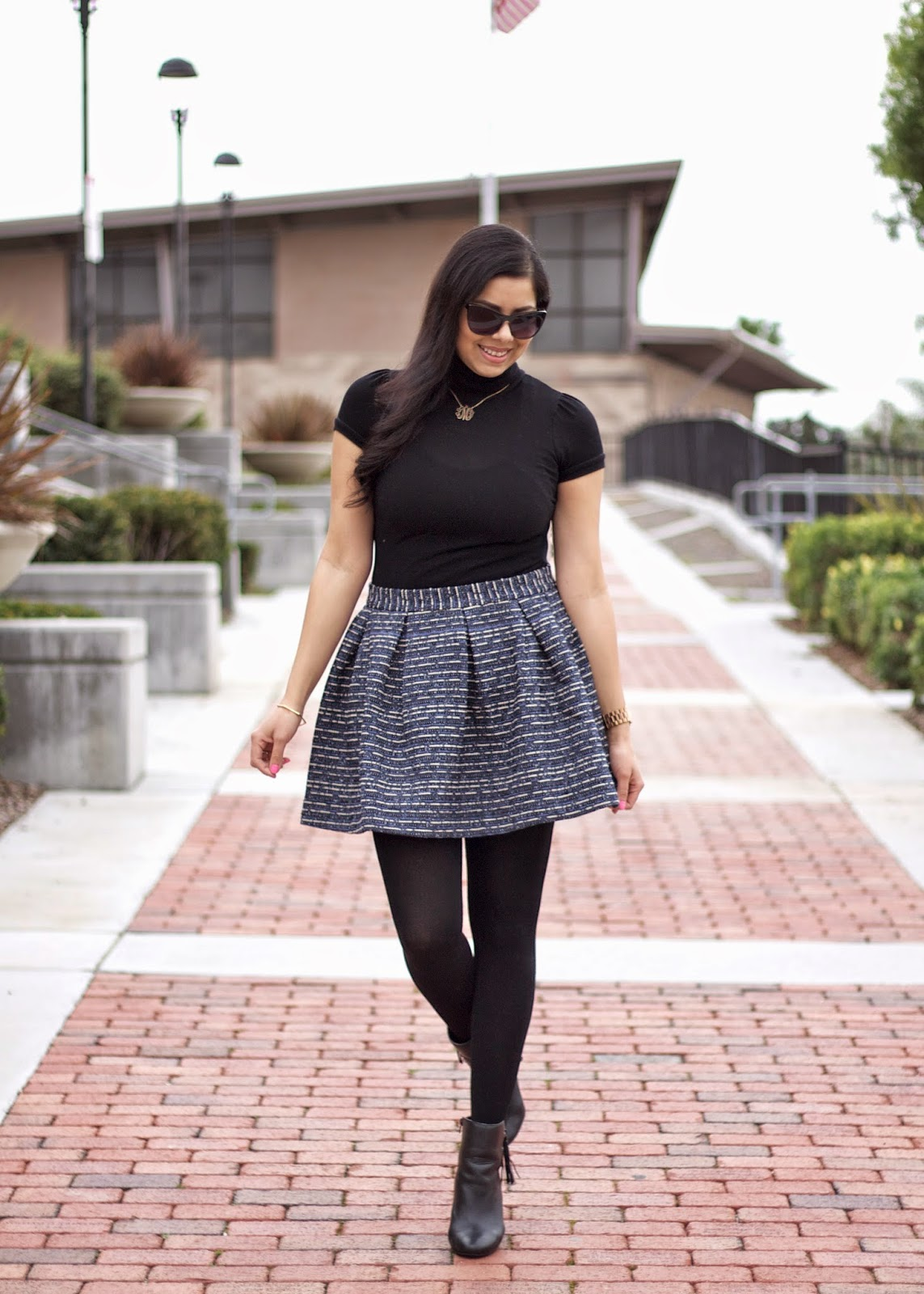 flared skirt, saylor clothing flared skirt, blue nave skater skirt, navy blue tweed skirt, tweed skater skirt, how to wear a skater skirt