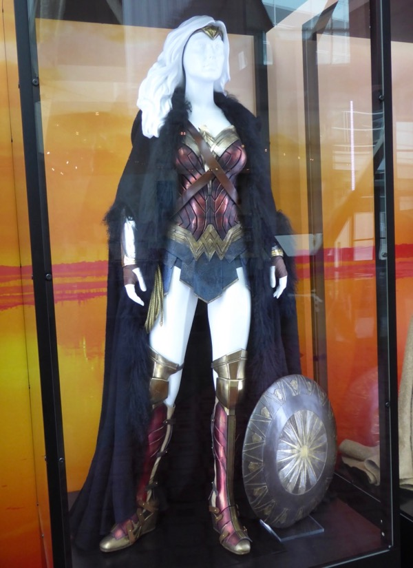 Gal Gadot and Connie Nielsen Wonder Woman movie costumes ...