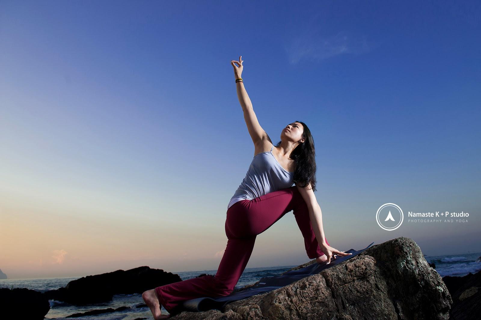 Namaste K+P studio: Yoga ~ Utthita Trikonasana 三角式