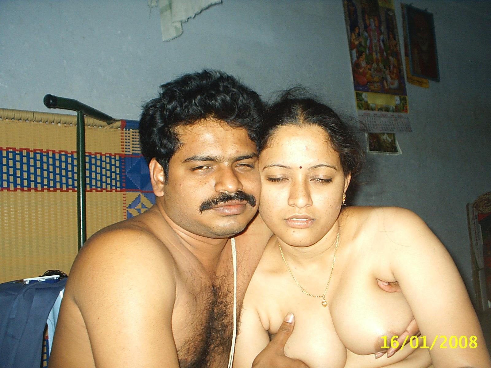 cute-couple-naked-desi