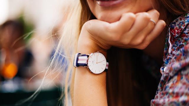 10 أفضل ساعات نسائية أنيقة وعصرية وغير مكلفة مع الأسعار [ بالصور]