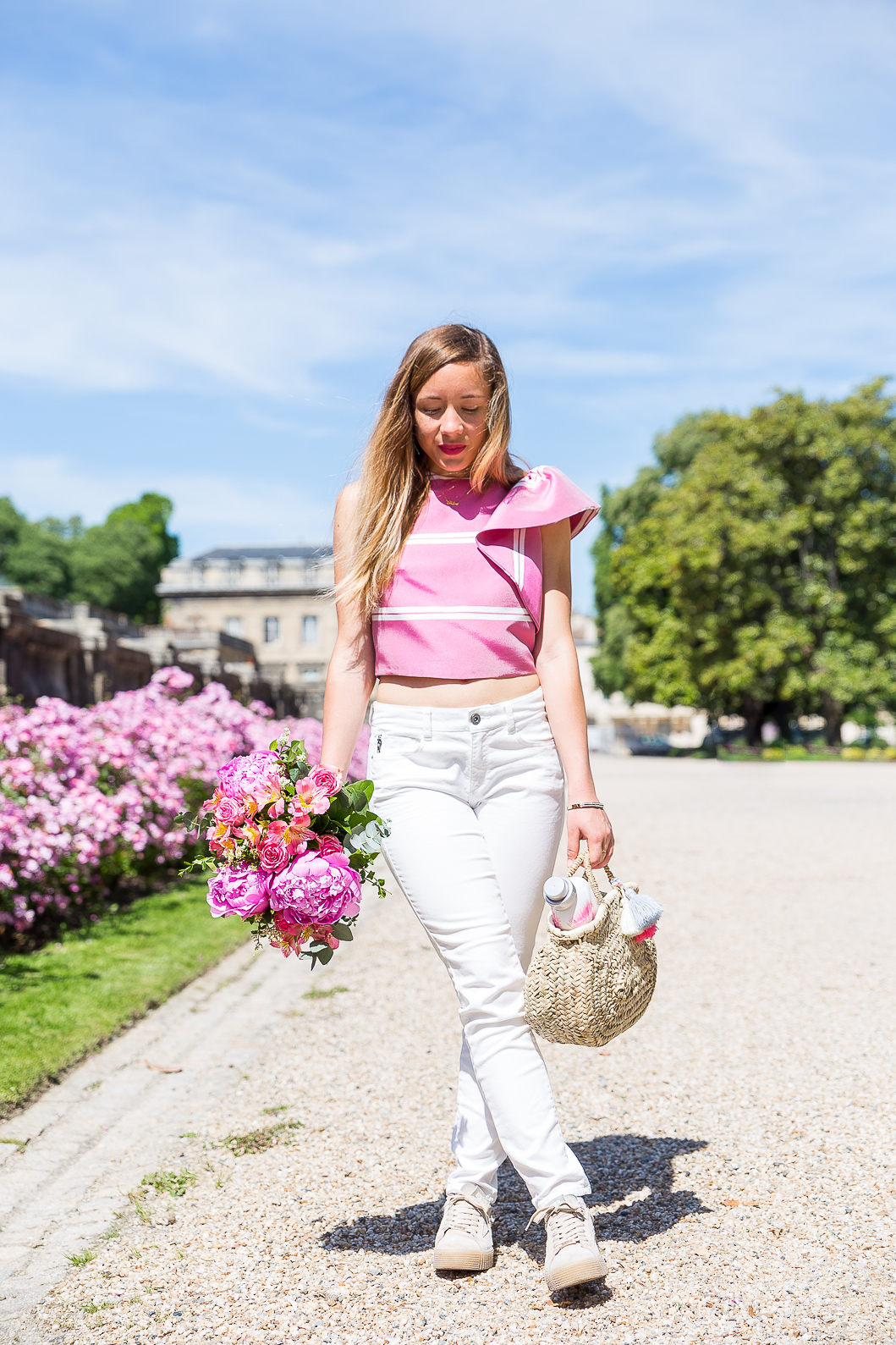 Tenue printemps rose blanche