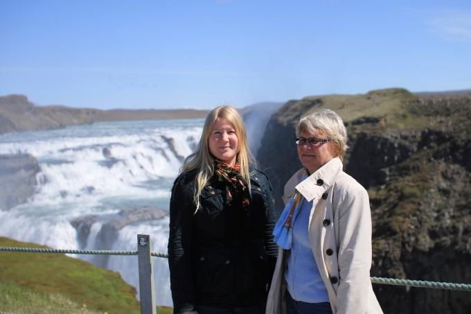 Raskaana Islannissa rv20. Äiti mukana Golden Circle.