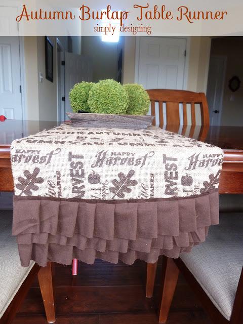 Autumn Burlap Table Runner | perfect fall or Thanksgiving table decor for a tablescape | #falldecor #thanksgiving #turkeytablescapes #burlap