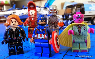 Avengers Quinjet City Chase 76032 minifigures Iron Man Captain America