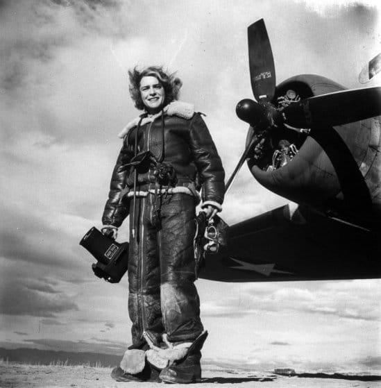 Margaret Bourke-White lista para su trabajo aéreo