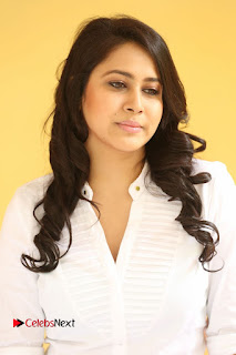 Panchi Bora Pictures in Jeans at Evaru Movie Interview