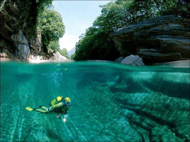 Sungai Kristal