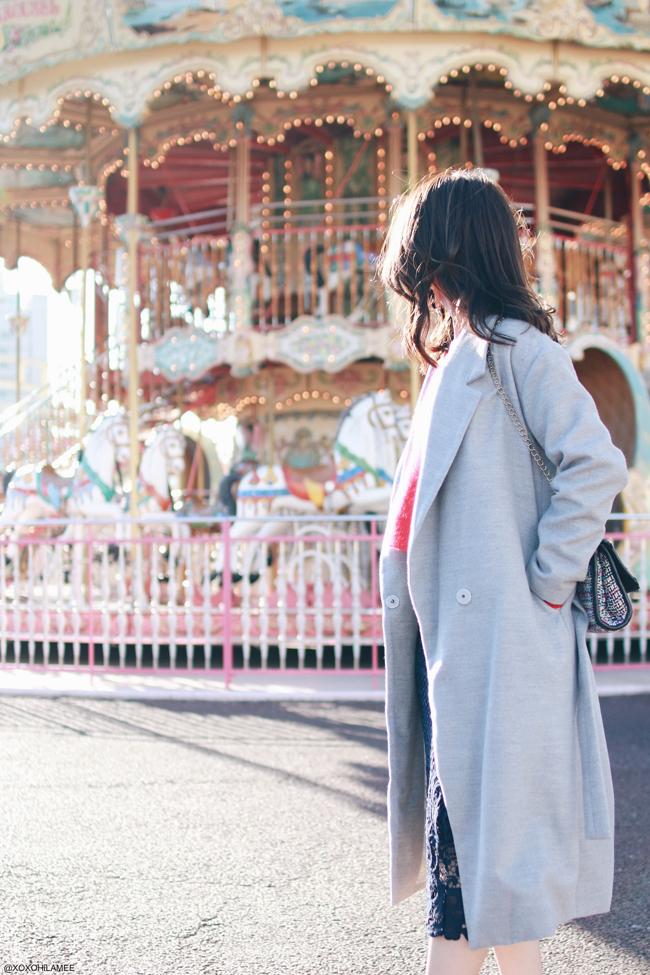 日本人ファッションブロガー,Mizuho K,今日のコーデ,ROPE_レッドVネックセーター,Sammy dress_ネイビー刺繍ペンシルスカート,Yoins_ゴールドローファー,SheIn_ライトグレーガウンコート,星イヤリング,パッとしないコーデ