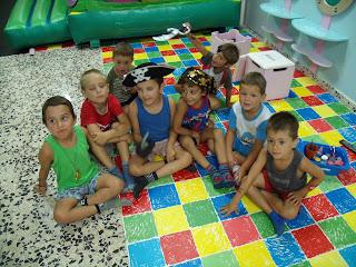 Resultado de imagen de niños fiesta pijamas