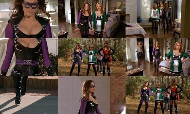 Sophia Bush Video Superheroina Escote Leggins Con Botas