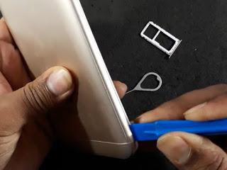 Melepas Casing Belakang Xiaomi
