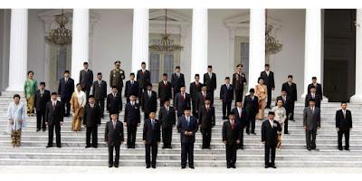 Suatu pemerintahan dipimpin oleh penguasa tertinggi Susunan Kabinet Pemerintahan Indonesia Dari Kurun Ke Masa