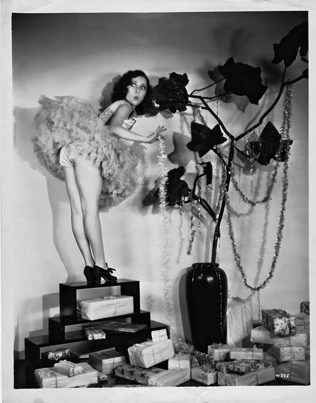 30 Vintage Hollywood Starlet Christmas Pin Up Photos
