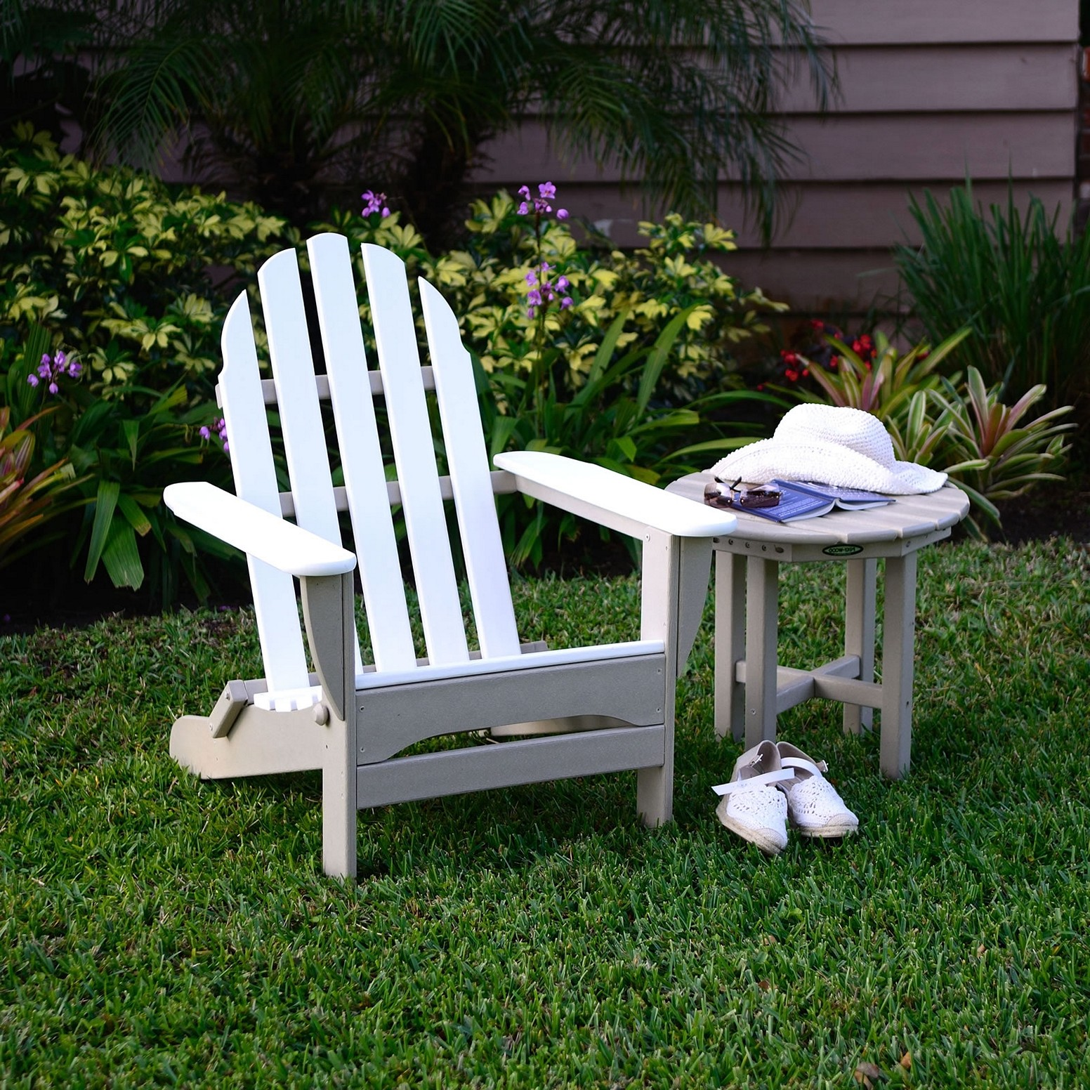 elegant theme in house by using white plastic adirondack chairs myrtlehocklemeier. Black Bedroom Furniture Sets. Home Design Ideas