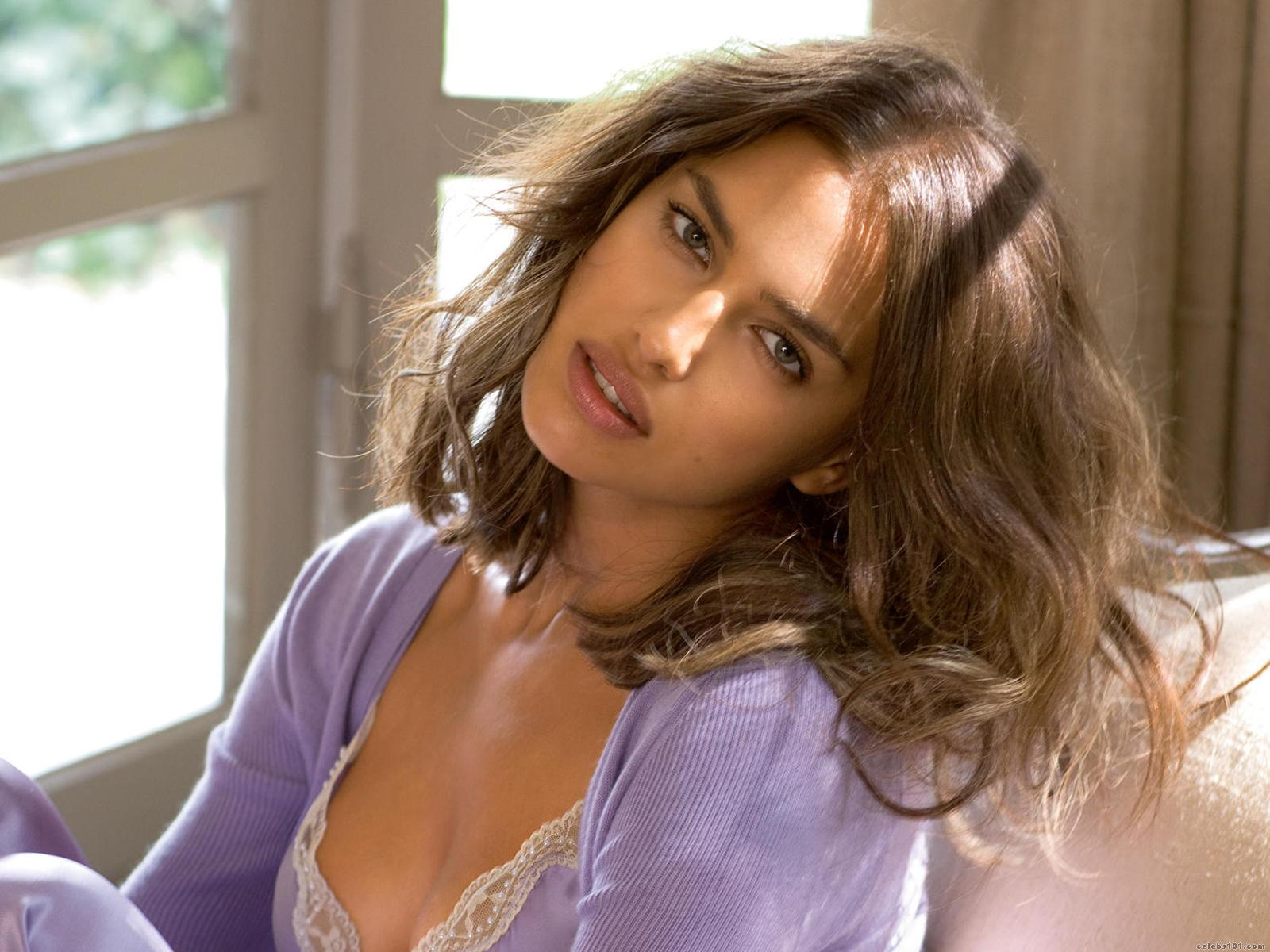 windows on beauty images: Irina Shayk, red-hot Russian