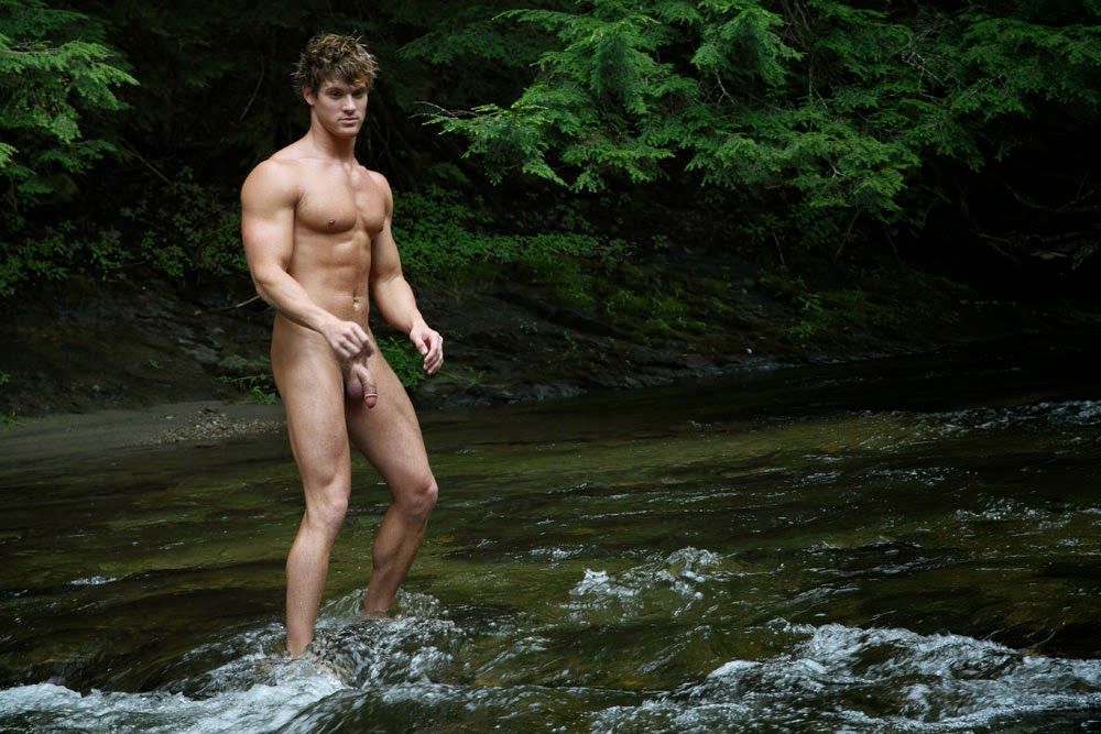 Naked sportsmen pictures — photo 1