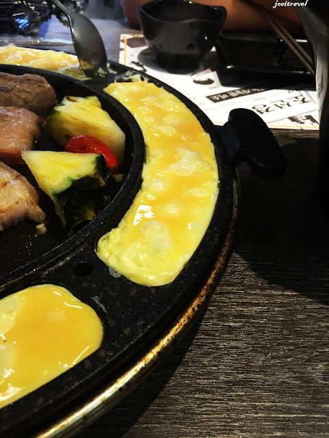 IMG 7242 - 【台中美食】來自韓國的『打啵雞DoubleG』韓國無敵王燒肉串VS熊掌拉麵 滿滿的飽足感稱霸你的胃 @打啵雞 @doubleG @巨大熊掌拉麵 @韓國無敵王燒肉串