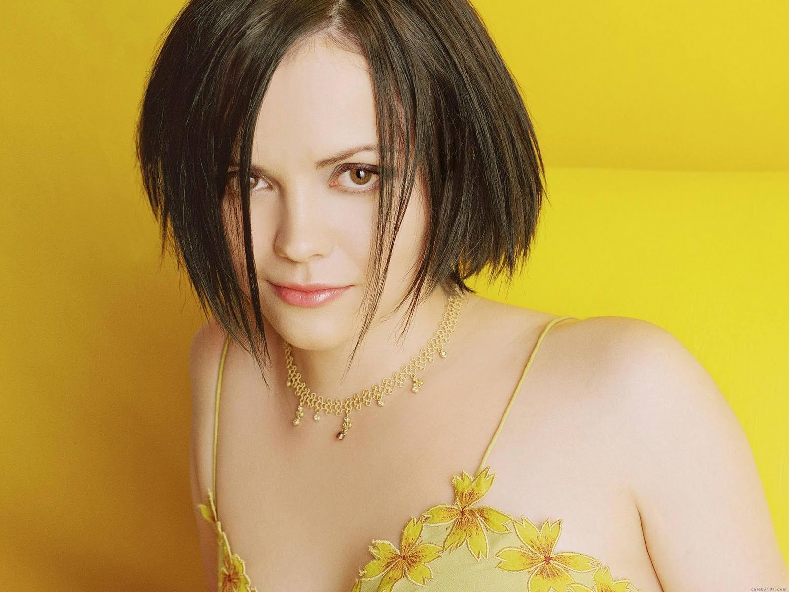 13 Cool Christina Ricci Hairstyle Pictures