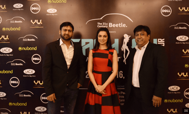 (L-R) Mr. Ramesh, Somani,CEO & Founder, Exhibit Technologies with Actress Divya Khosla Kumar & Mr. Kamal Basu, Marketing Head, Volkswagen at the launch event of Beetle's Tech Fashion Tour 2016-