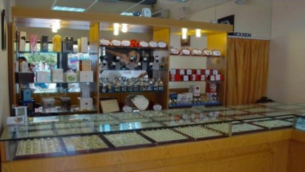 Jewelry store broken and stolen in the middle of Lushnja