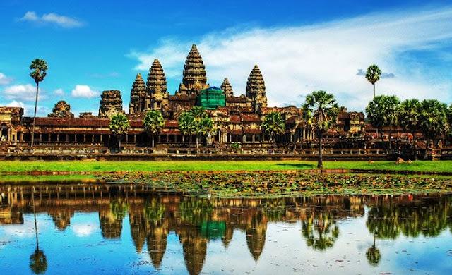 1. Angkor Wat - Kamboja