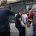 Ασφαλίτες έσυραν πολίτη για να μην πλησιάσει τον Τσίπρα