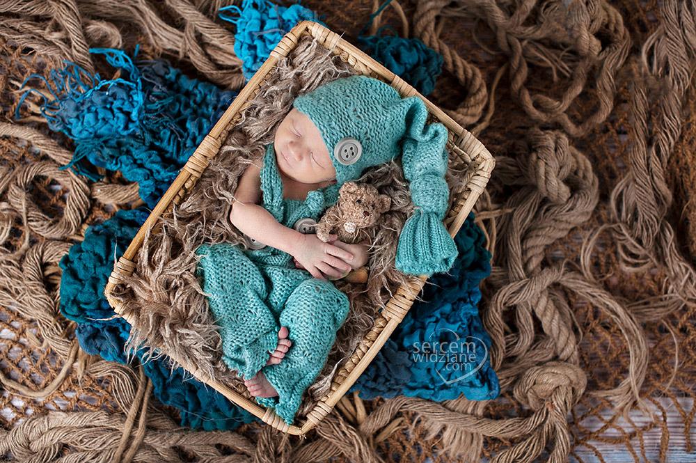 sesja noworodkowa warszawa, bezpieczny maluszek podczas sesji noworodkowej,