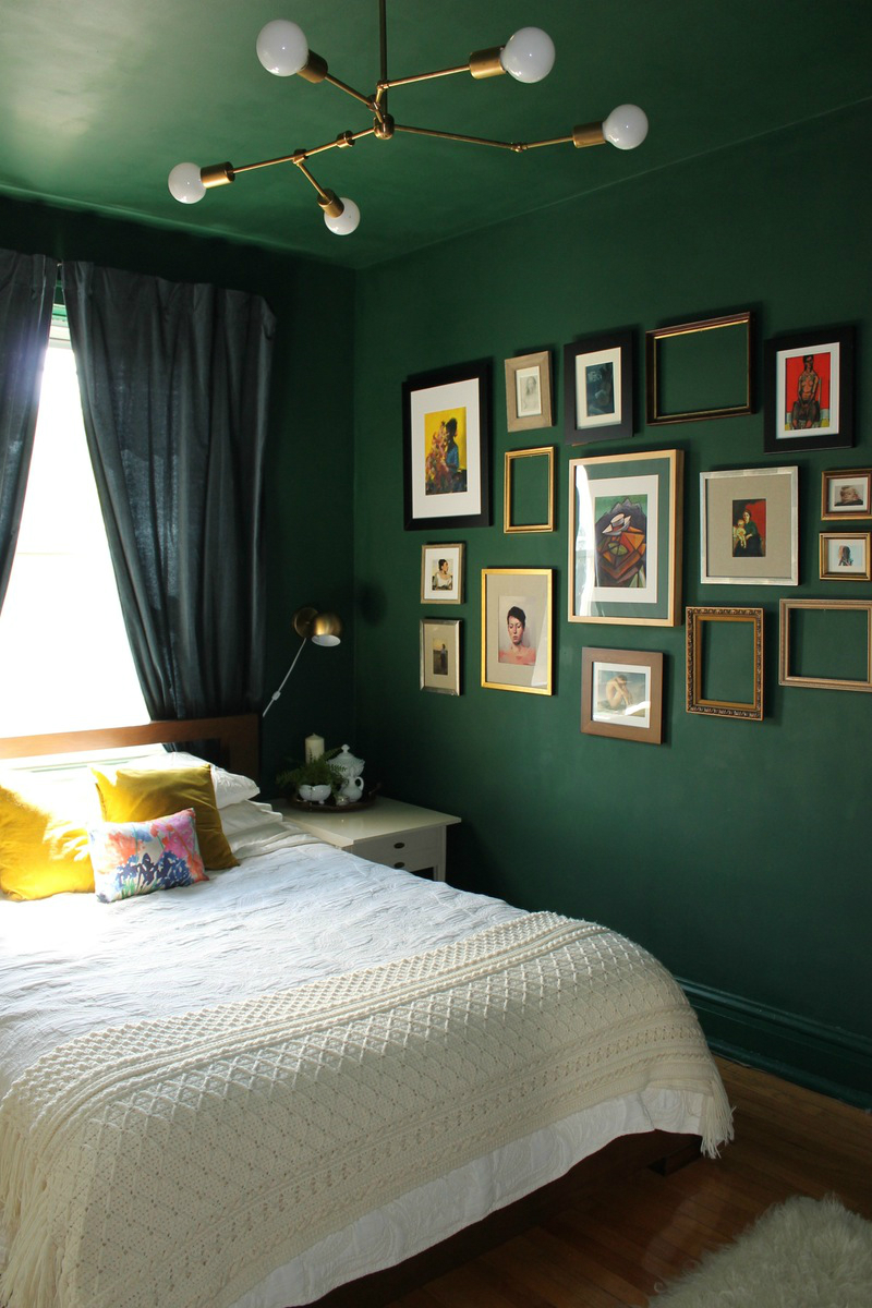 Resultado de imagem para dark green bedroom ideas PANTONE Be in trend: Color of the year from PANTONE green