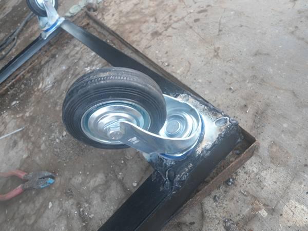 roda etalase gerobak