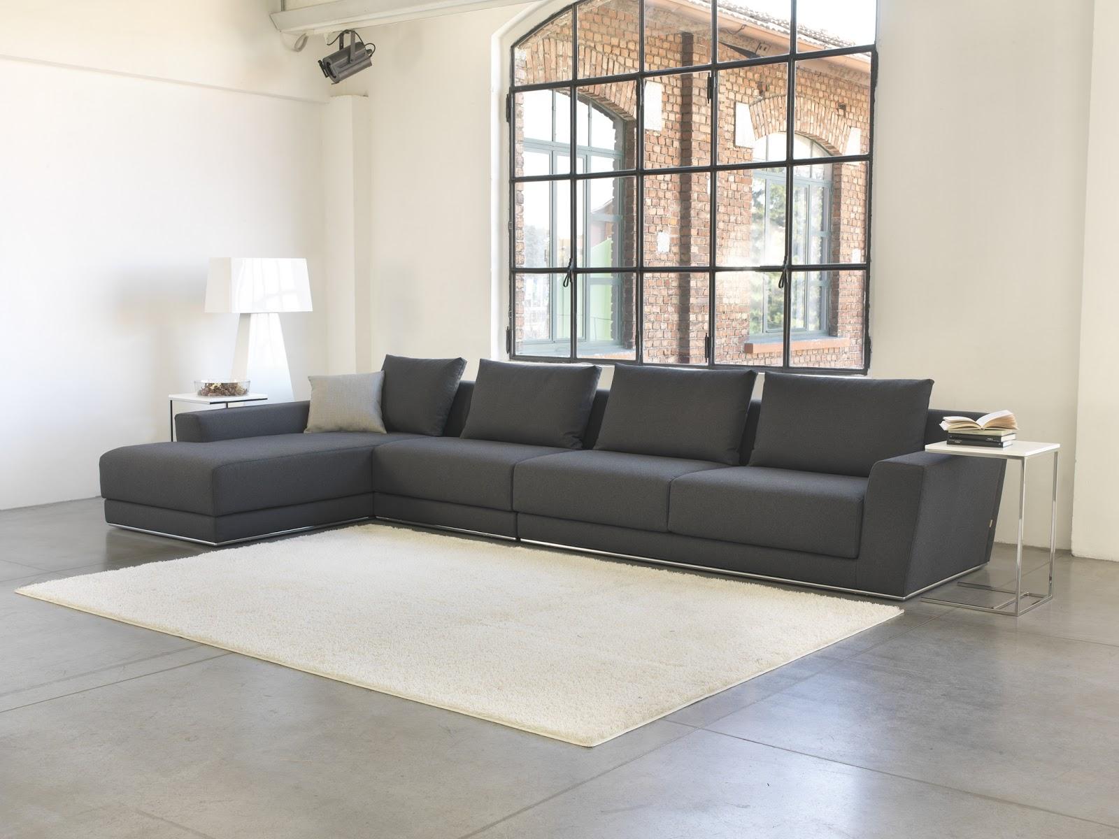 Divani e divani letto su misura produzione e vendita for Vendita divani