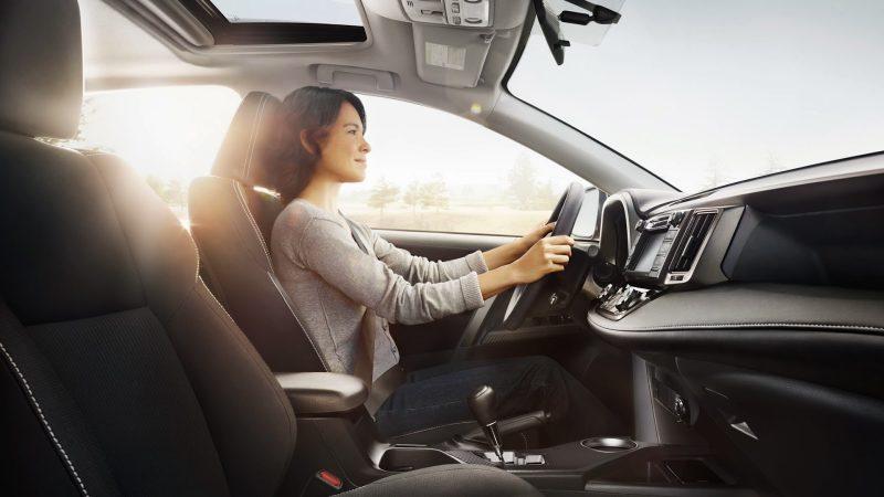 An toàn sức khỏe khi ngồi trong xe ô tô