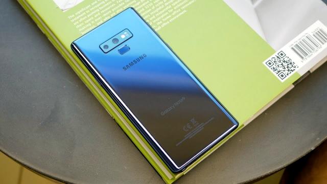 يوفر تحديث Samsung Galaxy Note 9 جدولة الوضع الليلي وتغيير FOV لصور شخصية