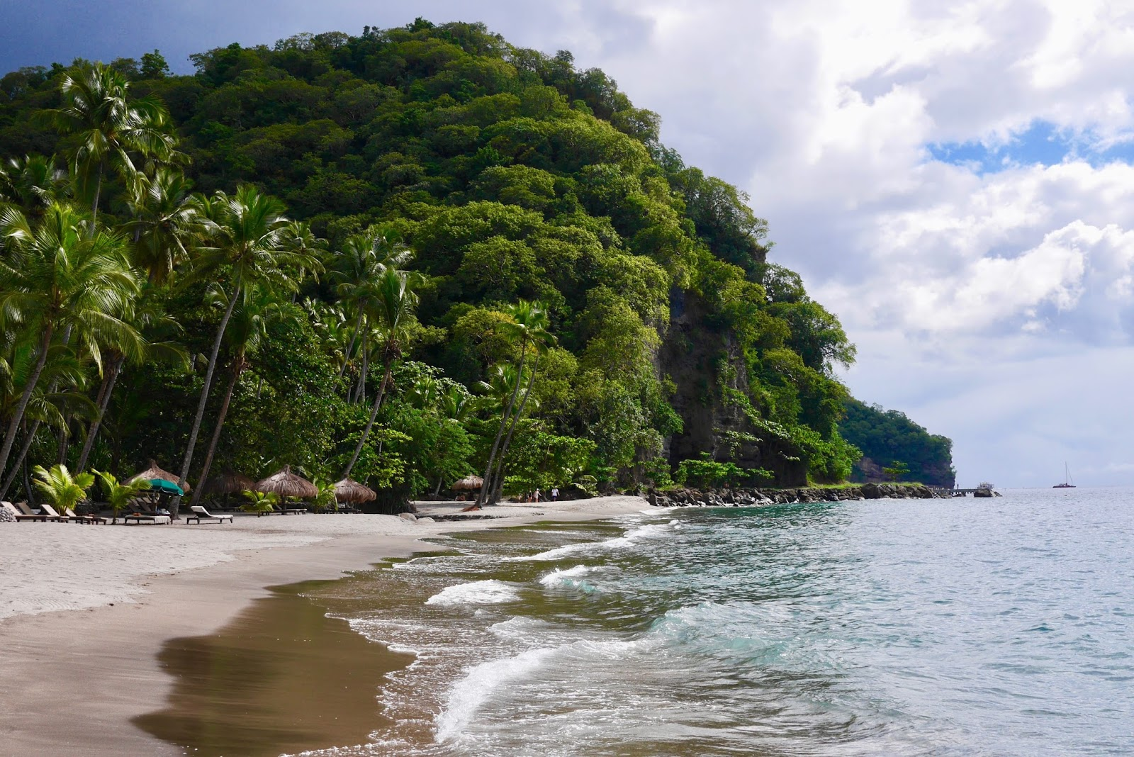 Anse Mamin beach, Soufrière, St Lucia by www.CalMcTravels.com