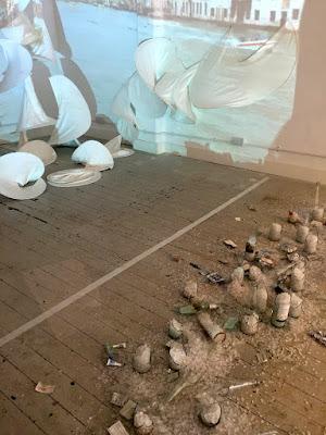 Wunderbare Galerieräumlichkeiten und lustige/spannende/nachdenkliche Ausstellungen werden gezeigt © diekremserin on the go