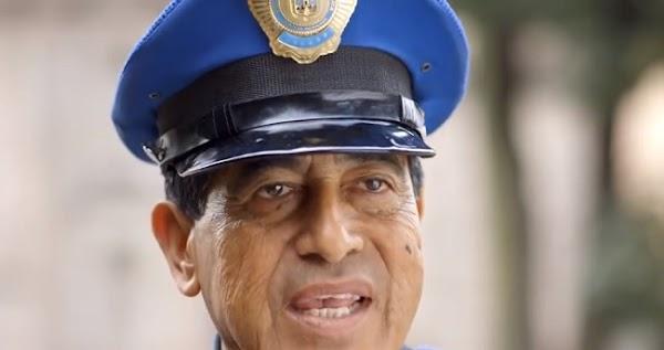 Juan Orozco, el policía de la CDMX que domina seis idiomas (VIDEO)