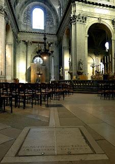 Gnomon de l'église Saint Sulpice et sa méridienne