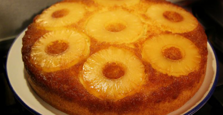 Old-fashioned Pineapple Cake With No Sugar, No Gluten And So Much Delicious