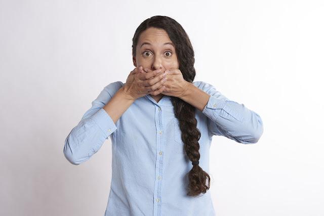 Personas que dicen groserías son mejores amigos, revela estudio