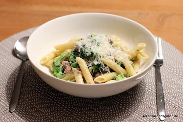 brokkoli erbsen pasta mit hackfleisch essen f r kleinkinder sch ner tag noch food blog mit. Black Bedroom Furniture Sets. Home Design Ideas
