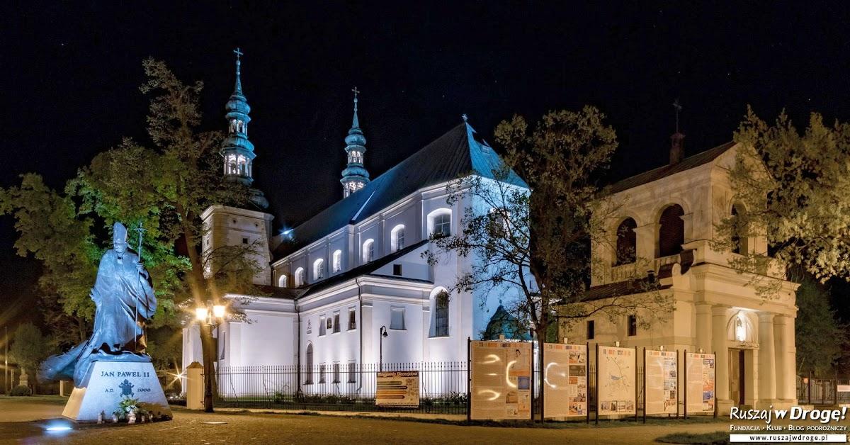 Łowicz nocą - Stary Rynek z Kolegiatą