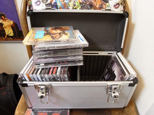 CDを収納する専用ボックスの写真です。