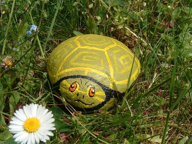 El blog de la elena un blog dulce divertido y for Piedras grandes pintadas para jardin