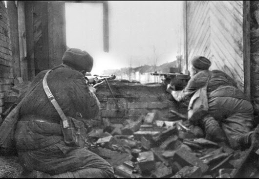 an introduction to the history of the battle of stalingrad The battle of stalingrad was the bloodiest battle in recorded history and it was the major turning point in world war two, overall hitler's pride lost the battle of stalingrad if it were not for hitler's pride he would have allowed his generals to retreat to more defensible territory, or to retreat and regroup.