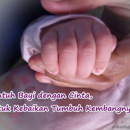 Sentuh Bayi dengan Cinta, untuk Kebaikan Tumbuh Kembangnya