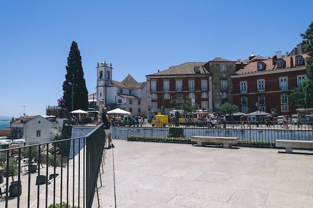 ポルタス ・ド・ソル展望台(Miradouro das Portas do Sol)からの眺め
