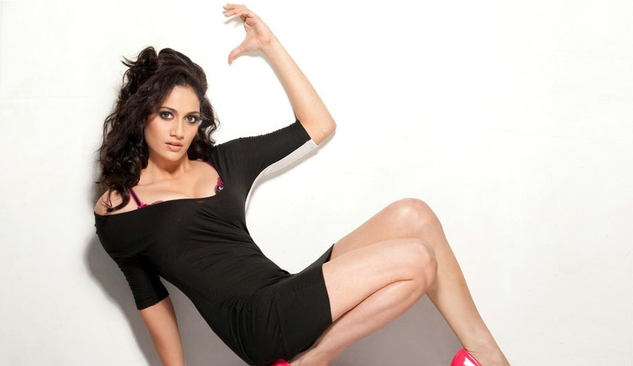 Komal sharma latest hot photoshoot