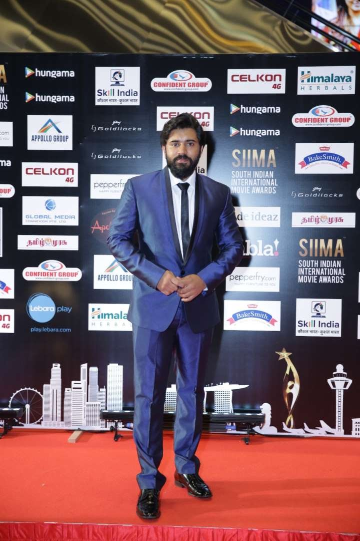 Premam star Nivin Pauly collected the Critics Award for Best Actor Malayalam