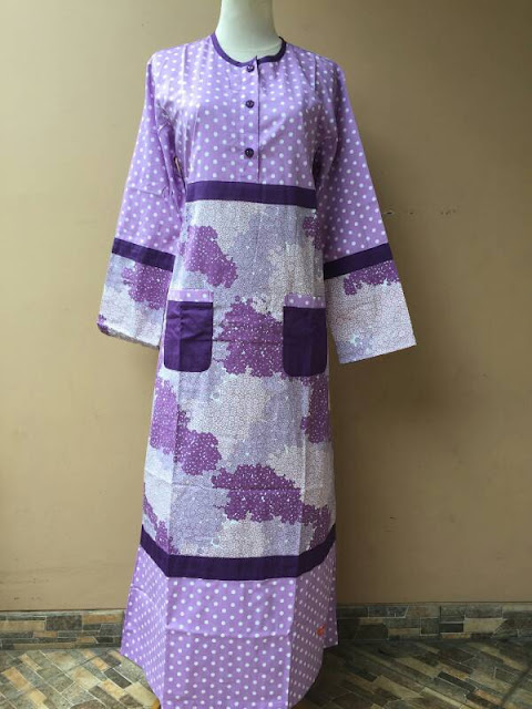 Model Gamis Katun Jepang Polkadot Warna Ungu Nibras